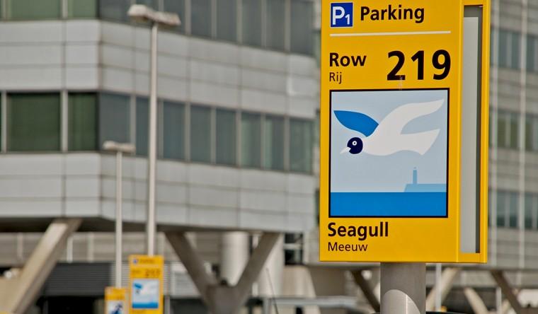 Decopanel aluminium-Wayfinding & Signage - Schiphol Airport P1